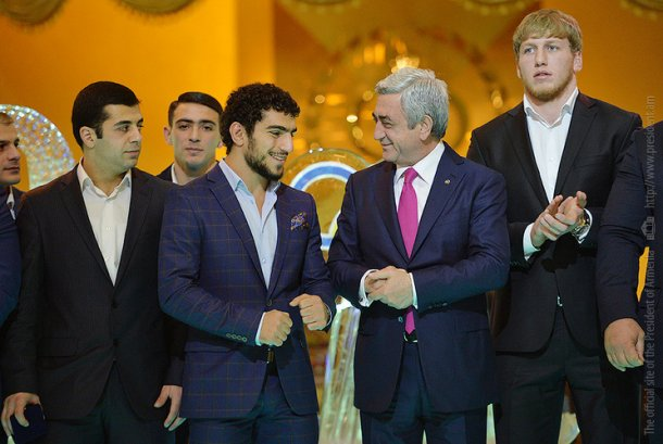 Президент Армении принял участие в торжественной церемонии награждения спортсменов